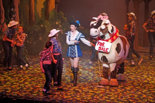 Debra Stephenson as Jack tries to sell Daisy at the cattle market: Photo Hattie Miles