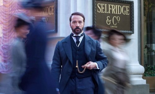 Jeremy Piven as Harry Selfridge in the TV series