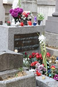 Jim Morrison's grave .